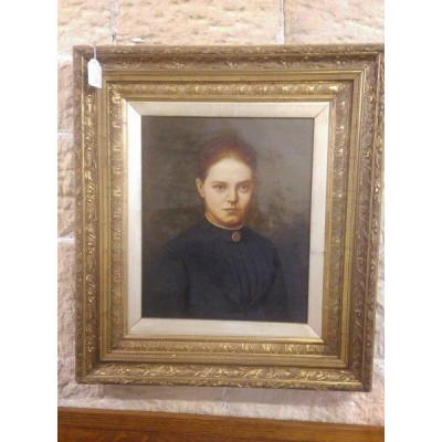 Victorian portrait in oils of unknown female in gilt frame