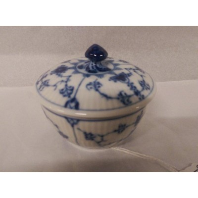 Royal Copenhagen blue lace lidded pot